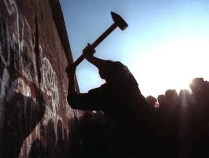 1 berlin-wall-zoom
