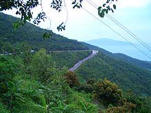 Đỉnh đèo Hải Vân, cửa ngõ  Đà Nẵng - Thành phố bên Sông Hàn (Ảnh: Wikipedia)