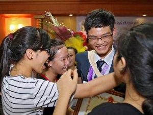 Những học sinh vàng - Ảnh: Việt Dũng (Tuổi Trẻ)