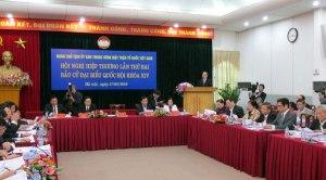 """Tại hội nghị hiệp thương ngày 17.3, rất nhiều đại biểu phản ứng về thông tin """"một số người ứng cử có thế lực thủ địch hậu thuẫn"""". ảnh: I.T (Daan Viet"""