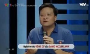 Phạm Mạnh Hà (ảnh dưới), người được VTV giới thiệu là tiến sĩ, chuyên gia tâm lý học.