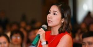 Ca sỹ Mỹ Linh phát biểu trong Hội thảo Đón sóng thực phẩm sạch.