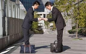 Người Nhật chào nhau (Ảnh: Internet)