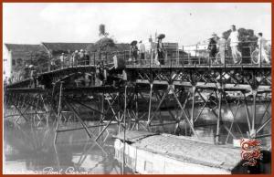 Cầu Ca-rông bắc qua Sông Lấp ngãy xưa (Ảnh: Internet)