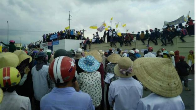 161002050520_formosa_protest_ky_anh_640x360_tinmungchonguoingheo_nocredit