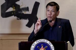 Tổng thống Rodrigo Duterte phát biểu tại cuộc họp báo ngày 19.10 ở Bắc Kinh, Trung Quốc