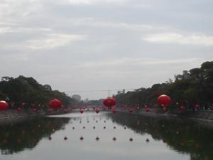 """Sông Lấp thời nay """"rợp màu... đèn lồng đỏ"""" (Ảnh: Internet)"""